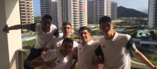 La selección albiceleste comandada por Olarticoechea se instaló en la Villa Olímpica a la espera del debut ante Portugal