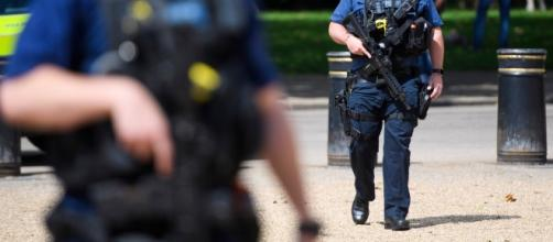 Metropolitan Police Commissioner Sir Bernard Hogan-Howe warns that a terror attack is highly likely. Credit: Blasting News