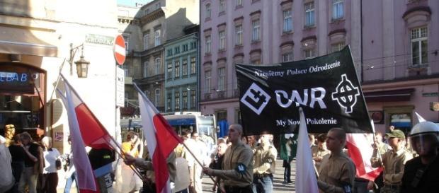 Narodowcy usiłują rozpętać w Polsce wojnę domową. Czy za przyzwoleniem PiS?