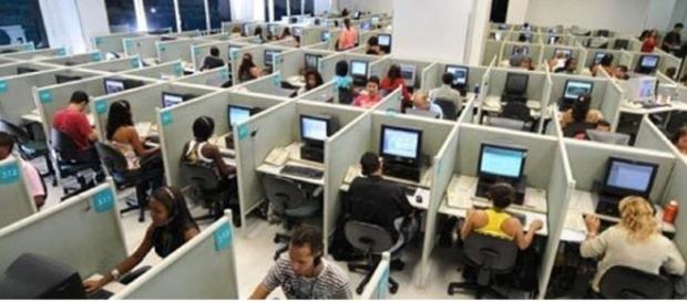Há mais de 50.000 vagas atualmente na área de Call Center no Brasil