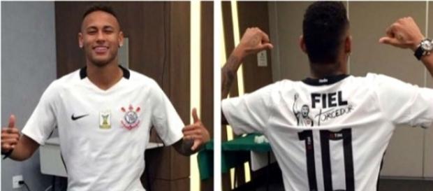 Neymar posa com a camisa alvinegra antes da final (Divulgação)