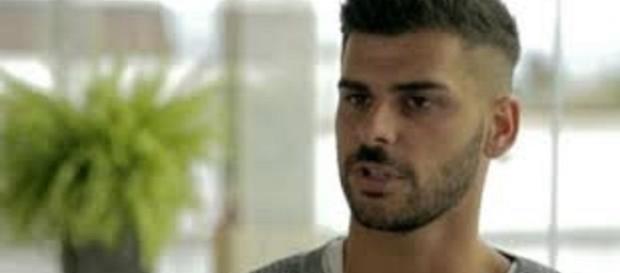 O jovem reagiu as acusações de Andreia e Eliane.