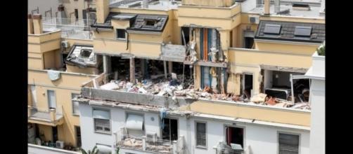 """Esplosione della palazzina a Milano, il marito confessa: """"Ho staccato il tubo del gas."""""""