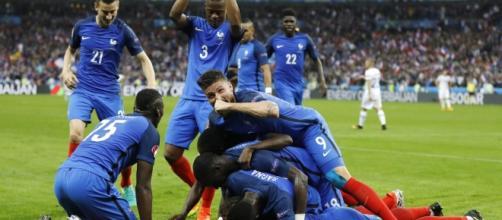 Francia goleó a Islandia en el Stade de France y aguarda por Alemania en las semifinales de la Euro