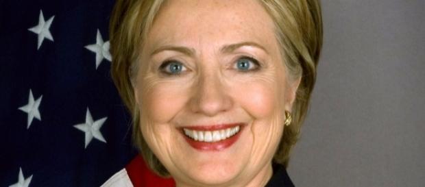 Hillary Clinton interrogata dall'FBI.