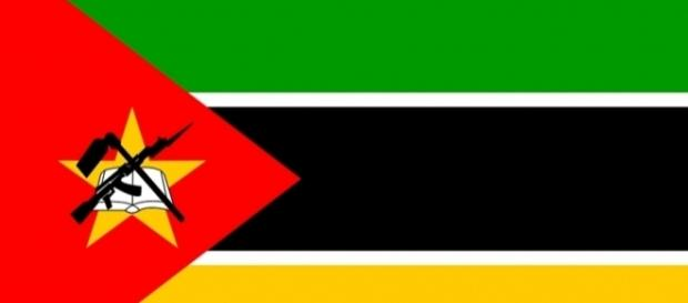Mozambique flag / vector by no attrition via cc pixabay