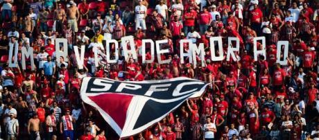 A torcida do São Paulo talvez não conte com seu treinador depois da Libertadores