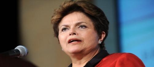 A presidente afastada Dilma Rousseff não deve comparecer à sessão da comissão do impeachment desta quarta