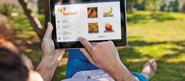 Aplicativos auxiliando a quebrar a barreira da língua. (FOTO: Divulgação/Babbel)