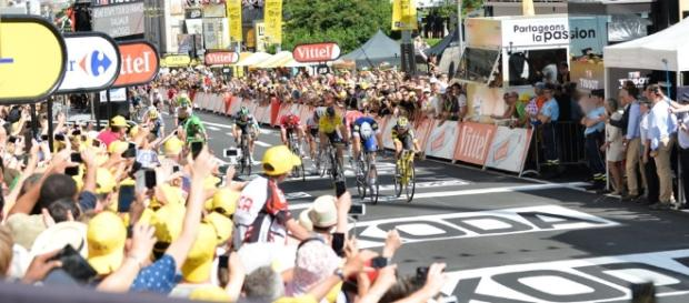El alemán Marcel Kittel ganó la cuarta etapa del Tour en una nueva definición con photo finish
