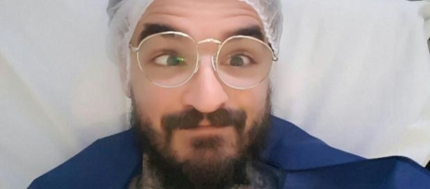 PC Siqueira antes da cirurgia para corrigir o estrabismo