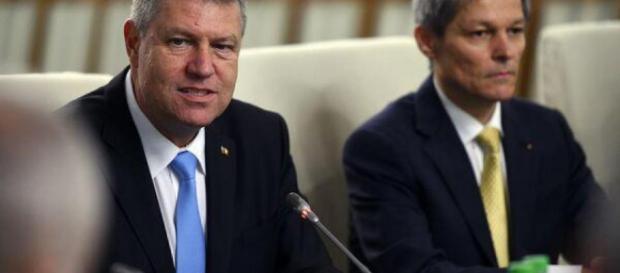 Președintele Iohannis și premierul Cioloș, invitați de Ziua Unirii ... - comisarul.ro