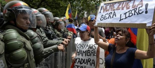 Venezuela, manifestazione contro il Governo