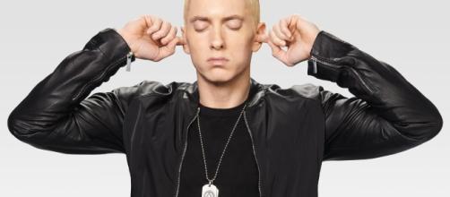 Eminem tem 13 singles na primeira posição em todo o mundo