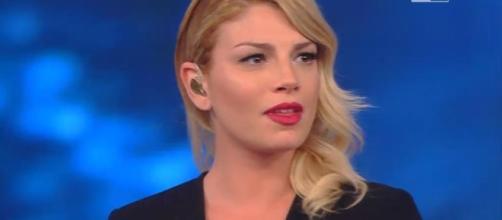 Emma Marrone criticata aspramente dalla blogger Selvaggia Lucarelli