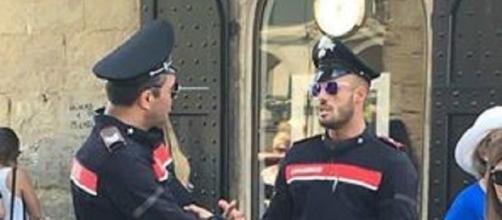 Il carabiniere che fa impazzire il web (Foto facebook)
