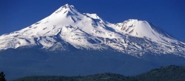 Cel mai mare munte din lume Everest