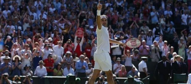 Federer se impuso luego de que su rival desperdicie tres match points