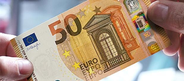 FOTO - Nuova Banconota da 50 EURO! Ecco come sarà e quando sarà ... - viralnews24.it