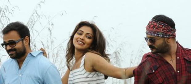 Malayalee film 'Shajahanum Pareekuttiyum is comic (Panasiabiz.com)