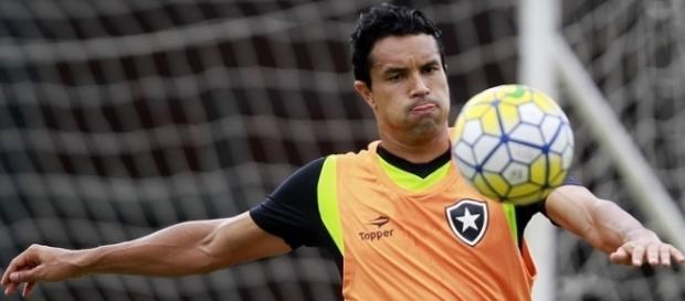 Ricardo Gomes tem retorno de jogadores