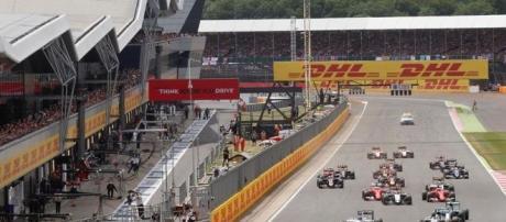A temporada 2016 da F1 chega ao tradicional Circuito de Silverstone.