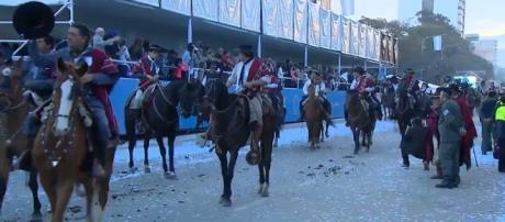 Desfile de comunidades gauchescas en Tucumán