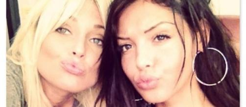 """Caroline Receveur et Nabilla Benattia ont toutes les deux participé au programme """"Hollywood Girls""""."""