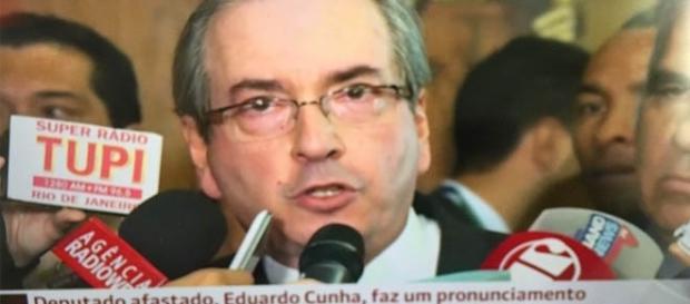 Eduardo Cunha renunciou ao vivo para todo país (Reprodução/ Globo)