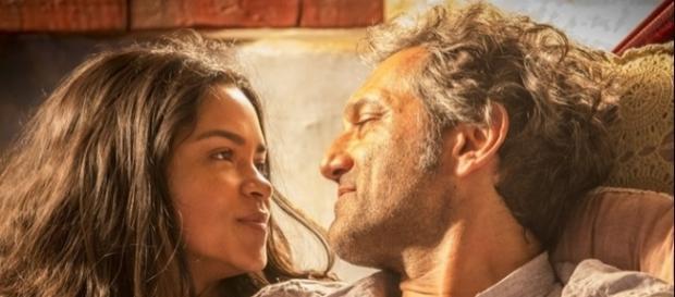 Luzia e Santo se reaproximam (Divulgação/Globo)