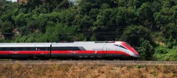 Trenitalia, nuovo orario estivo e offerte