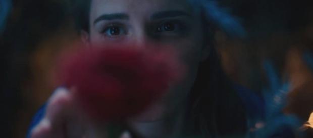 "Veja Emma Watson no teaser trailer de ""A Bela e a Fera ... - loucosporfilmes.net"