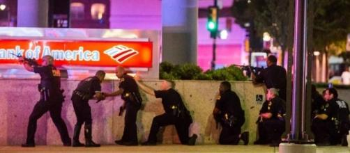Breaking : Three suspects in custody and one dead in Dallas ambush shooting on police officers.