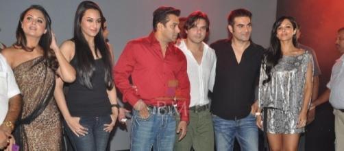 Salman Khan   Sonakshi Sinha   Malaika Arora Khan   Amrita Arora ... - bollywoodmantra.com