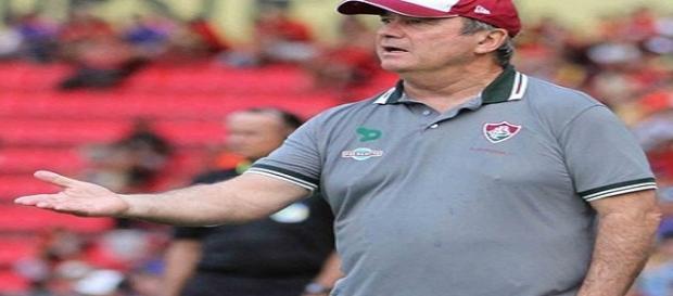 Após se reunir com diretoria, Levir permanece no Fluminense (Foto: Arquivo)