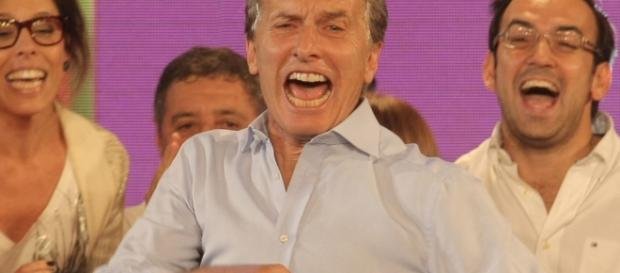 Macri ignora fallos que frenan tarifazos y sigue el baile contra asalariados