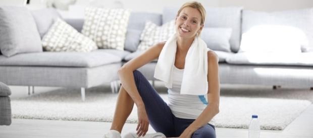 5 formas de fazer exercícios em casa | Simplifica! - com.br