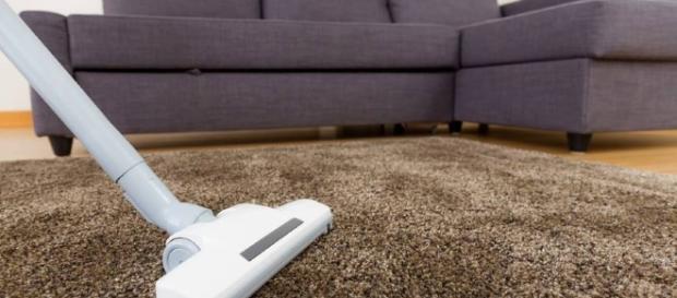 A limpeza de tapetes pode trazer muita dor de cabeça se faltar espaço em casa