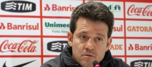 Flu procurou técnico do Inter, após demissão de Eduardo Baptista