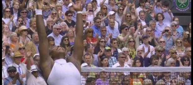 Serena Williams remporte une nouvelle fois Wimbledon