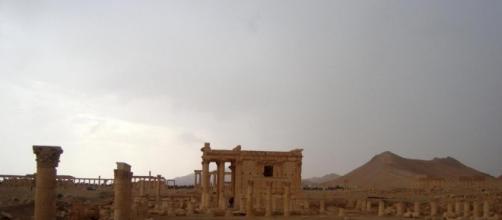 All'ombra del sito archeologico di Palmira la partita di calcio tra giovani non piu' sotto scacco dell'Isis