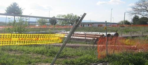 L'area abbandonata dove avrebbe dovuto sorgere il polo commerciale 'Il Querceto'.