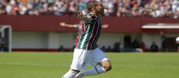 Wellington Silva comemorando um dos gols nos 3 a 0 sobre a Ponte Preta no domingo (Foto: Lancenet)