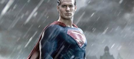 Warner Bros. Moves MAN OF STEEL Sequel into Active Development ... - geektyrant.com