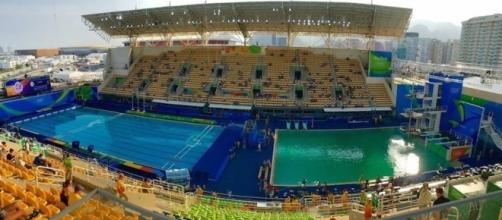 Era notorio el contraste de color del azul de siempre al verde en el que se tornó la piscina.