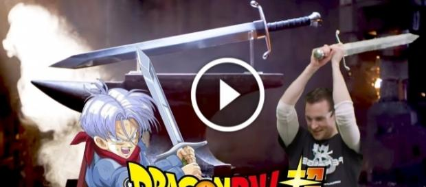 Crean una replica exacta de la espada de Trunks del Futuro de Dragon Ball Super - Vídeo de Youtube