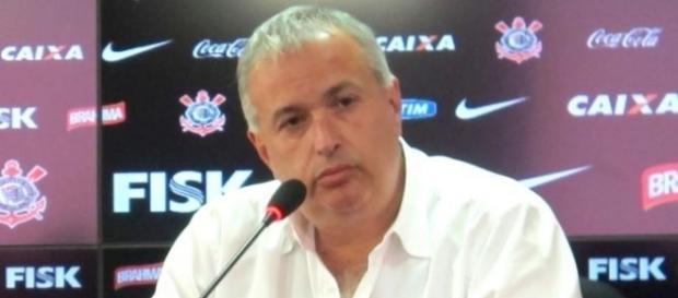 Diretoria do Corinthians anuncia retorno de atacante para a equipe