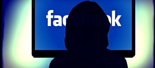 Facebook vai passar por cima dos 'ad blockers' - pixabay.com