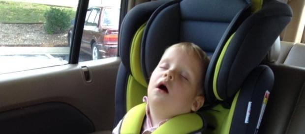 Jill Duggar Dillard questioned on son's car seat safety. Source: Instagram user Derick Dillard