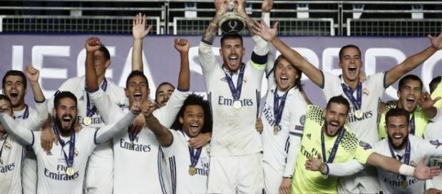 Trofeul câștigat de Real Madrid